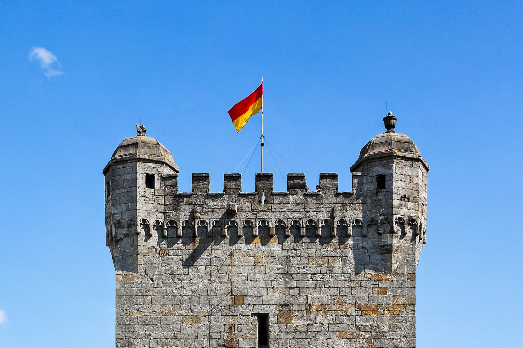 The top of the Powder Tower of Bentheim Castle © Andreas Richter